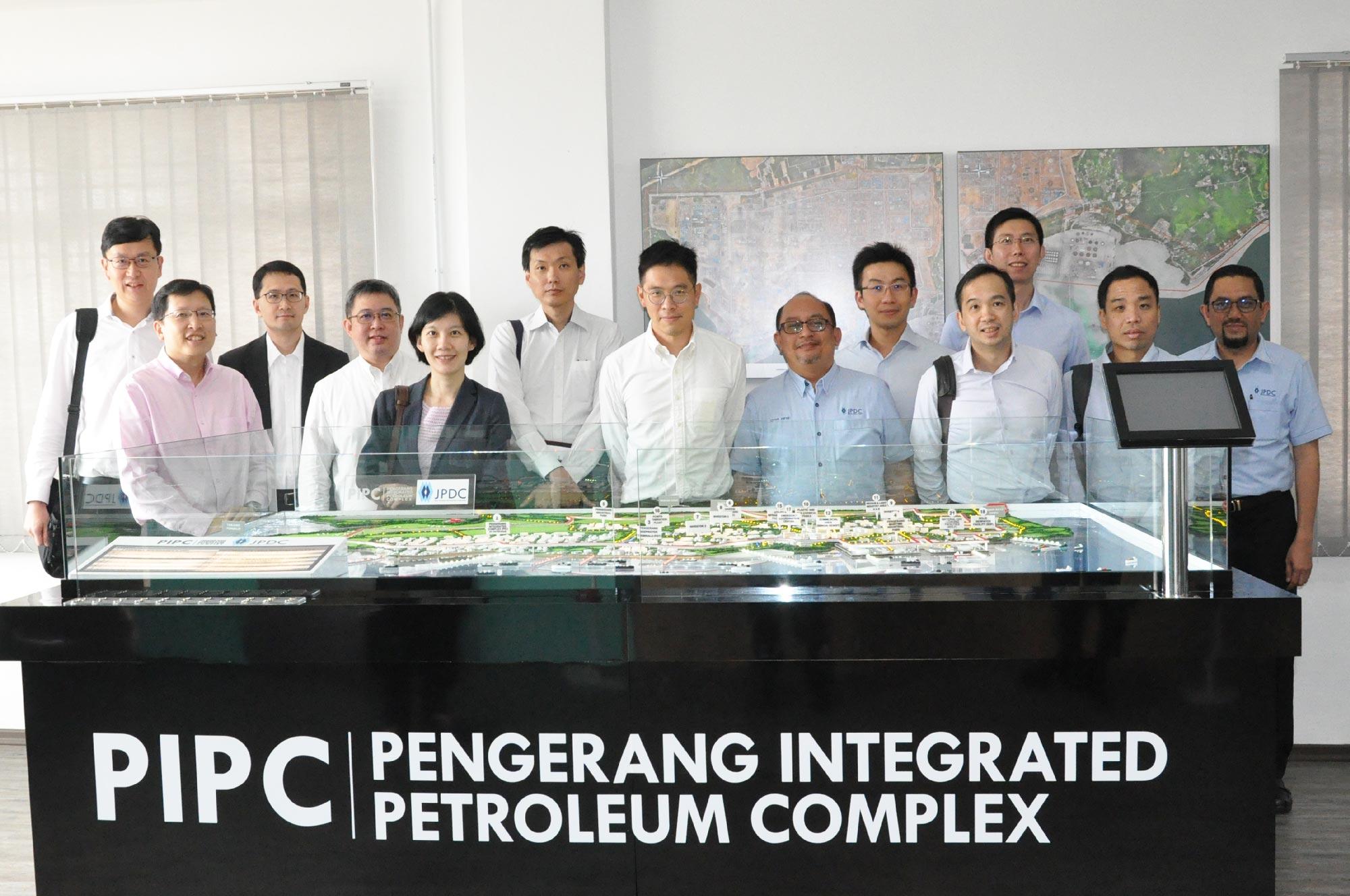 Visit by Senior Singapore Government Officials to Pengerang Integrated Petroleum Complex (PIPC)