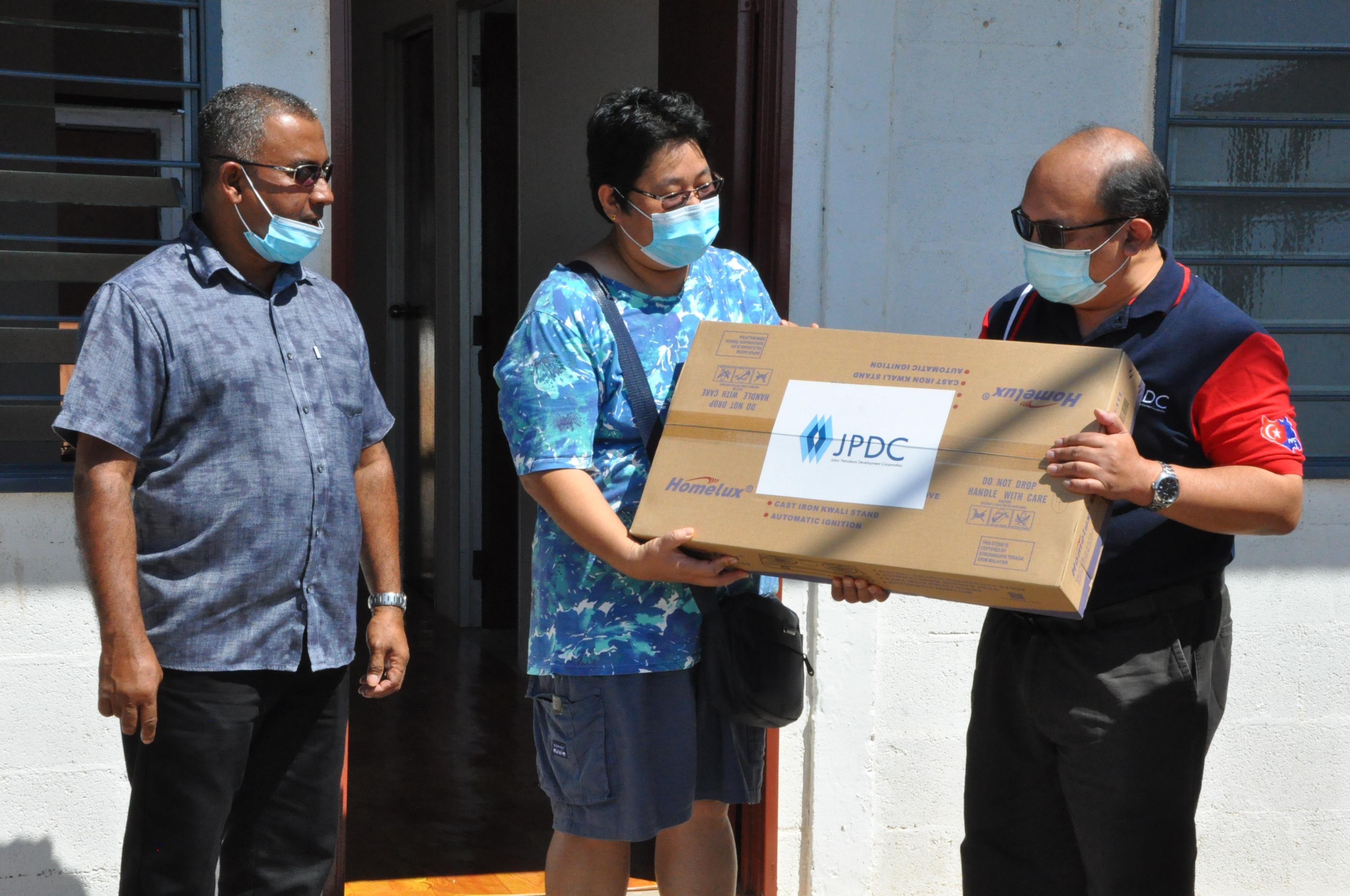 Handover donation to Pengerang fire victims